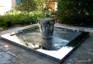 Comment d corer votre jardin for Petite fontaine exterieur